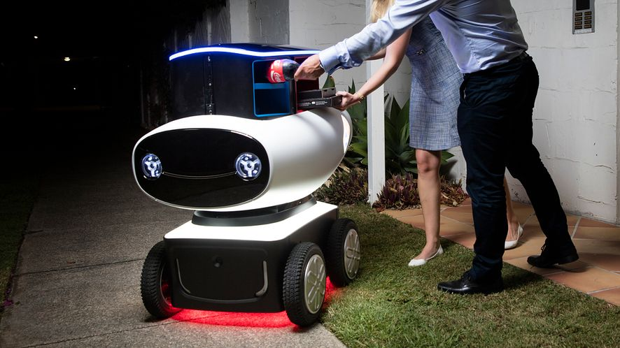Sieć pizzerii Domino prezentuje DRU, pierwszego samobieżnego robota-dostawcę