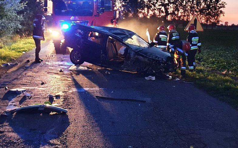 Koszmar na drodze w Pyrzycach. Kierowcę aż wyrzuciło z auta