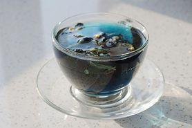 Szmaragdowa herbata – jakie są jej właściwości i komu jest polecana?