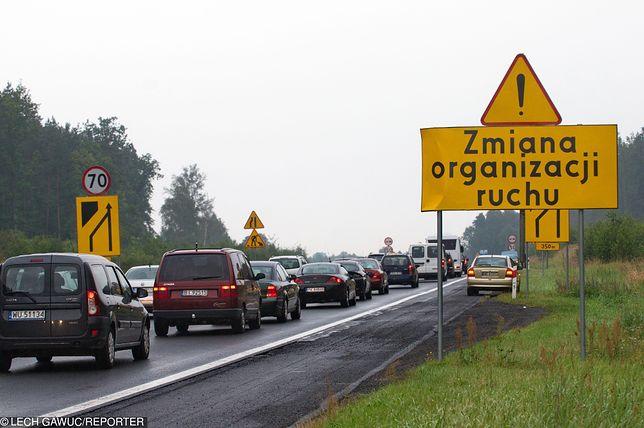 """O planowanym wprowadzeniu obowiązku jazdy """"na suwak"""" słyszymy od 2016 roku"""