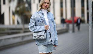 Jeansowa spódnica - warto w nią zainwestować