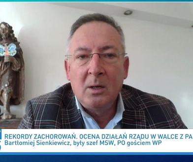 """""""Szczęśliwi w PiS"""". Bartłomiej Sienkiewicz i drwiny ministra"""