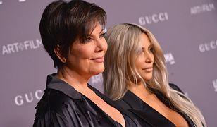 Oficjalny styl według Kim Kardashian, czyli marynarka na goły biust