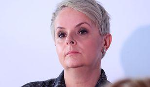 """Karolina Korwin Piotrowska pokazała relację z """"Blokady Sejmu"""". Ale to demonstrujący byli blokowani przez policję"""