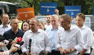 """Marszałek Kuchciński lata do Rzeszowa, politycy PO - na wakacje. """"Na posiedzenie Sejmu muszą przerwać urlopy"""""""