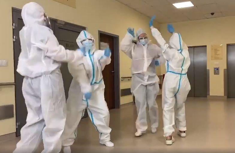 """Pielęgniarki z Katowic stworzyły własną wersję przeboju """"Bella Ciao"""""""
