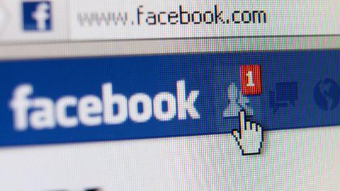 Facebook traci w Polsce najmłodszych. Stał się dla nich jak... Nasza klasa