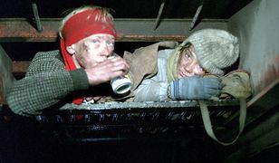 """Rafał Zimowski i Wojciech Klata w rolach małych uciekinierów w filmie """"300 mil do nieba"""""""