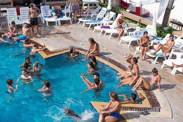 Barcelona. Kobiety mogą pływać topless na publicznych basenach