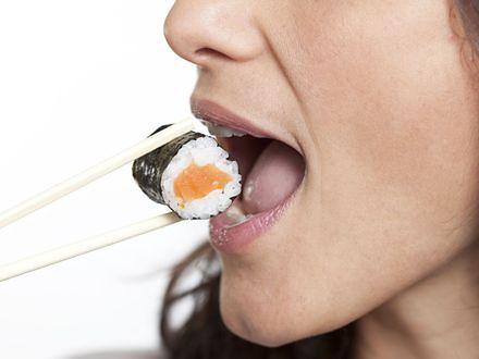 Jedzenie ryb związane z niższym ryzykiem zgonu w starszym wieku