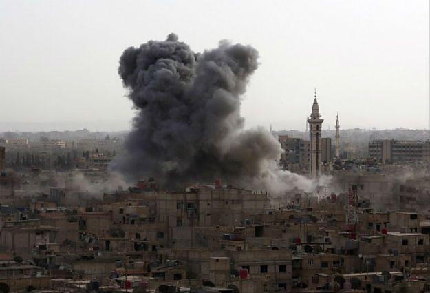 Ponad 10 rakiet eksplodowało koło ambasady Rosji w Syrii