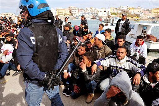"""""""Oczyścili"""" wyspę z imigrantów - zobacz zdjęcia"""