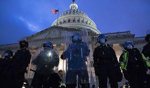 """Makowski: """"Szaman szuka wiceprezydenta. Amerykańska demokracja w historycznym kryzysie"""" [OPINIA]"""