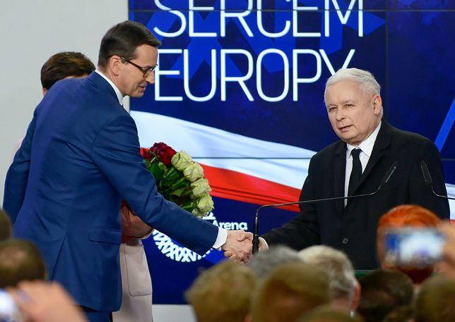 Premier Mateusz Morawiecki i prezes PiS Jarosław Kaczyński w sztabie wyborczym