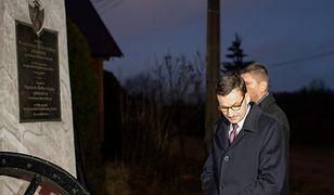Powstańcy listopadowi są godni uczczenia, ponieważ w najtrudniejszych okolicznościach walczyli o rzeczywistą niepodległość – mówił Morawiecki