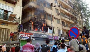 Kairskie studio telewizji Al-Dżazira podpalone przez wściekły tłum