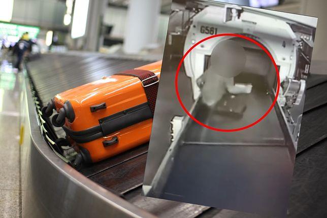 Chłopiec wszedł na taśmę bagażową na lotnisku