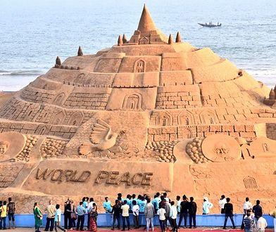 W Indiach powstał najwyższy na świecie zamek z piasku