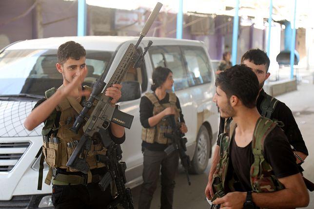 Syria. Bojownicy ISIS uciekli z więzienia po tureckim bombardowaniu