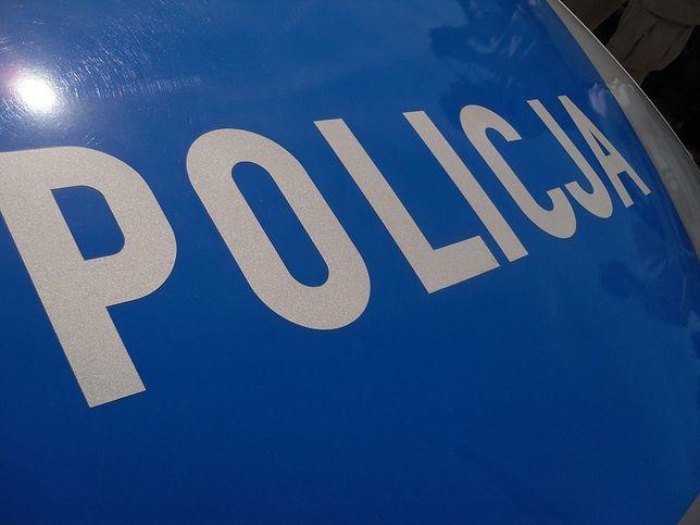 Wrocław. Policjant zwolniony ze służby. Brał udział w interwencji, po której zmarł 25-latek