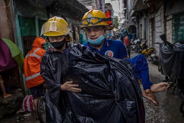 Filipiny po przejściu tajfunu, 2 listopada