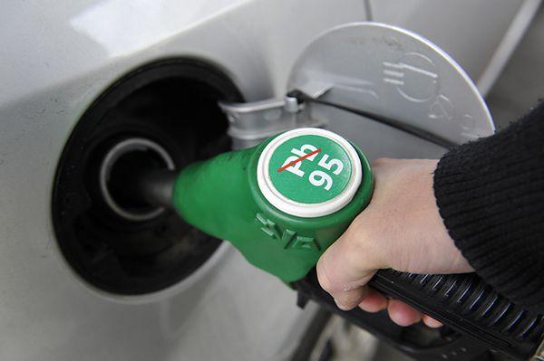 W Gdańsku za litr benzyny zapłacimy mniej niż 4 zł