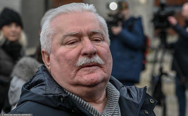Lech Wałęsa szuka pracy w internecie