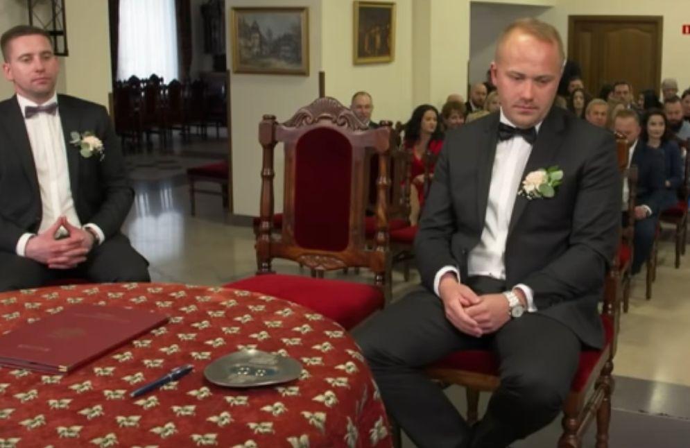 """Adrian ze """"Ślubu od pierwszego wejrzenia"""" nie miał partnerki 8 lat. Postawił wysokie wymagania przyszłej żonie. W sieci wrzawa"""