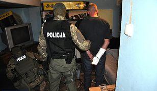 Akcja CBŚ i antyterrorystów w Białymstoku. Rozbito gang sutenerów
