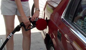 Rząd chce tańszych paliw. Zmieni prawo?