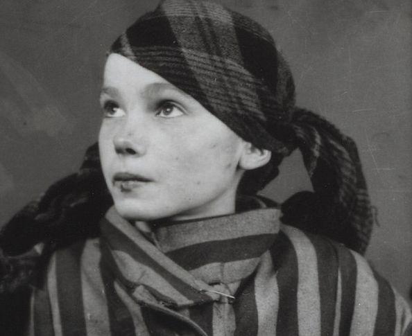 """Historia Czesławy wybrzmiała na nowo. O 14-letniej dziewczynie pisze teraz brytyjski """"Daily Mail""""."""