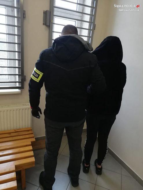 Dąbrowa Górnicza. 21-latka odpowie za posiadanie i handel narkotyków.