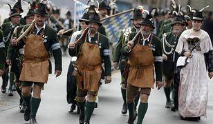 Bawarczycy podczas tradycyjnej parady w Monachium