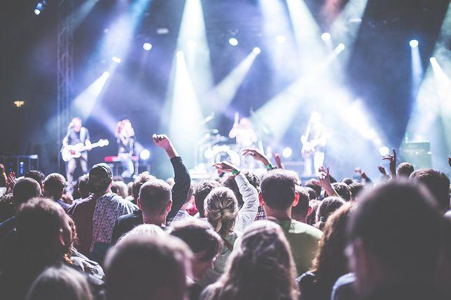 Inspirowane muzyką –  stylizacje na letnie festiwale