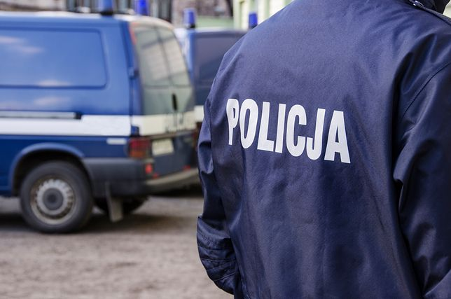 Świętokrzyskie: policja zatrzymała transport z beczkami wypełnionymi nieznaną substancją
