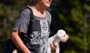 Kamil Sipowicz zabrał ukochanego psa Kory na pogrzeb Tomasza Stańki