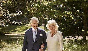 Książę Karol i księżna Camilla ciągle zakochani. Świetne zdjęcia polskiego fotografa