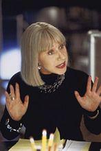 Helen Mirren coraz łatwiej zrzuca ubranie