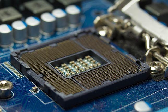 Nie tylko procesory Intela są narażone. Ale to prezes upłynnił część swoich akcji.