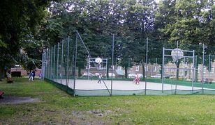 Największe podwórko w Europie znajduje się w Poznaniu. Teraz jest tu nawet boisko!