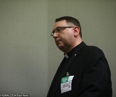 """Ksiądz """"szantażował"""" Kornela Morawieckiego. Poszkodowanych może być więcej"""