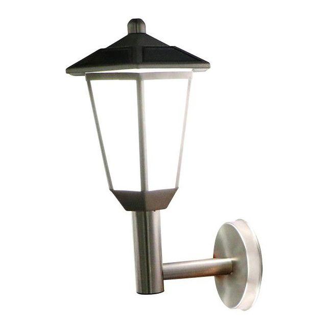 Lampy solarne w ogrodzie. Co musisz wiedzieć przed ich zakupem