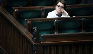 """""""Anna Zalewska to według PiS świetna minister edukacji.  To nie tylko prymitywna propaganda, ale też straszliwa krótkowzroczność""""."""