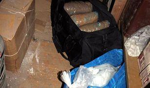 Wola: policja zatrzymała pseudokibica. Prowadził narkotykowy magazyn