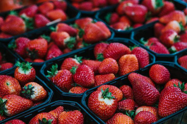 W sprzedaży są już pierwsze truskawki.