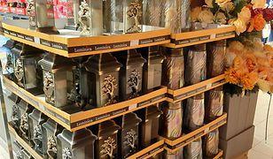 W Polo Markecie można już kupić znicze i sztuczne kwiaty na groby.