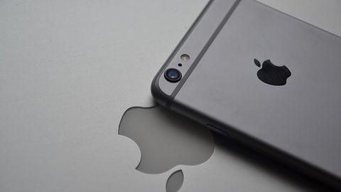 Rośnie liczba zagrożeń mobilnych. iPhone atakowany czterokrotnie częściej niż w sierpniu
