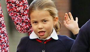 Charlotte i George poszli do szkoły