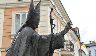 Pomnik Jana Pawła II w Wadowicach