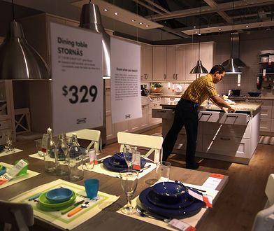Nowy sklep w warszawskim Blue City zostanie otwarty jeszcze w październiku. Ale wciąż szuka pracowników